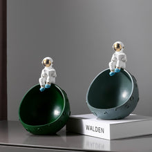 Load image into Gallery viewer, Creative Astronaut Figurine Light Luxury Style Key Storage Box - Targen