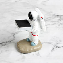 Load image into Gallery viewer, Creative Astronaut Watch Stand Resin Watch Holder for Desk - Targen