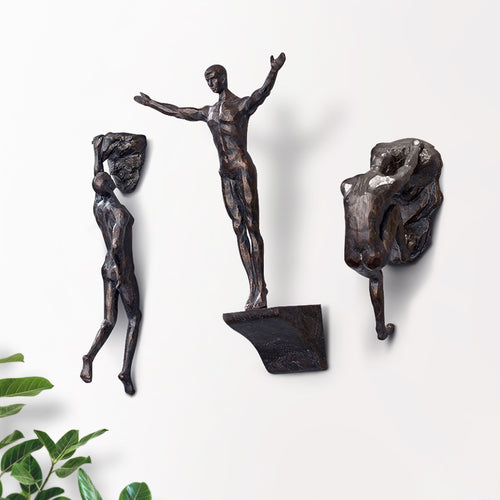 Wall Hanging Sculpture Resin Iron Rock Climbing Men Retro Figures - Targen