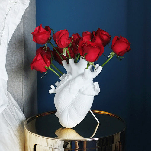 Targen Ceramic White Anatomic Heart Vase