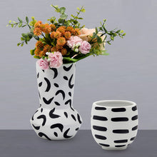 Load image into Gallery viewer, Ceramic Vase Simple Black And White Spot Flower Pot - Targen