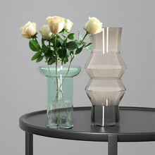 Load image into Gallery viewer, Targen Gradient Glass Bulb Vase Hydroponic Bottle