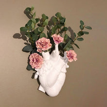 Load image into Gallery viewer, Ceramic White Anatomic Heart Vase