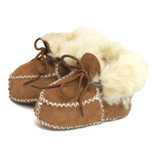 Load image into Gallery viewer, Childrens Sheepskin Booties