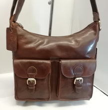 Load image into Gallery viewer, Ashwood G21 Leather Handbag