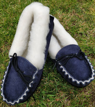 Load image into Gallery viewer, ladies navy leather slippers with sheeps wool
