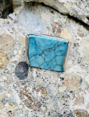 Vince Camuto semi-precious Turquoise statement ring size 7