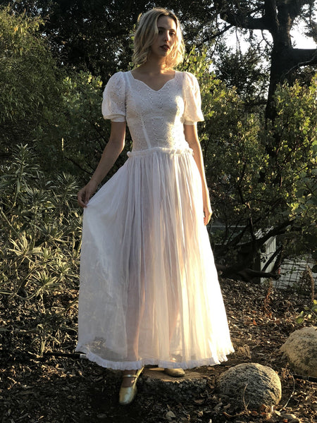 My 1930s tres  Romantic White Long Dress