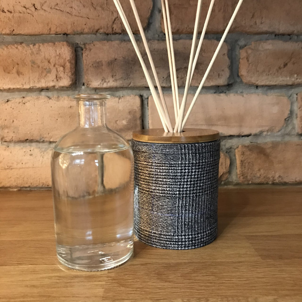 Refill bottle for Country reed diffuser
