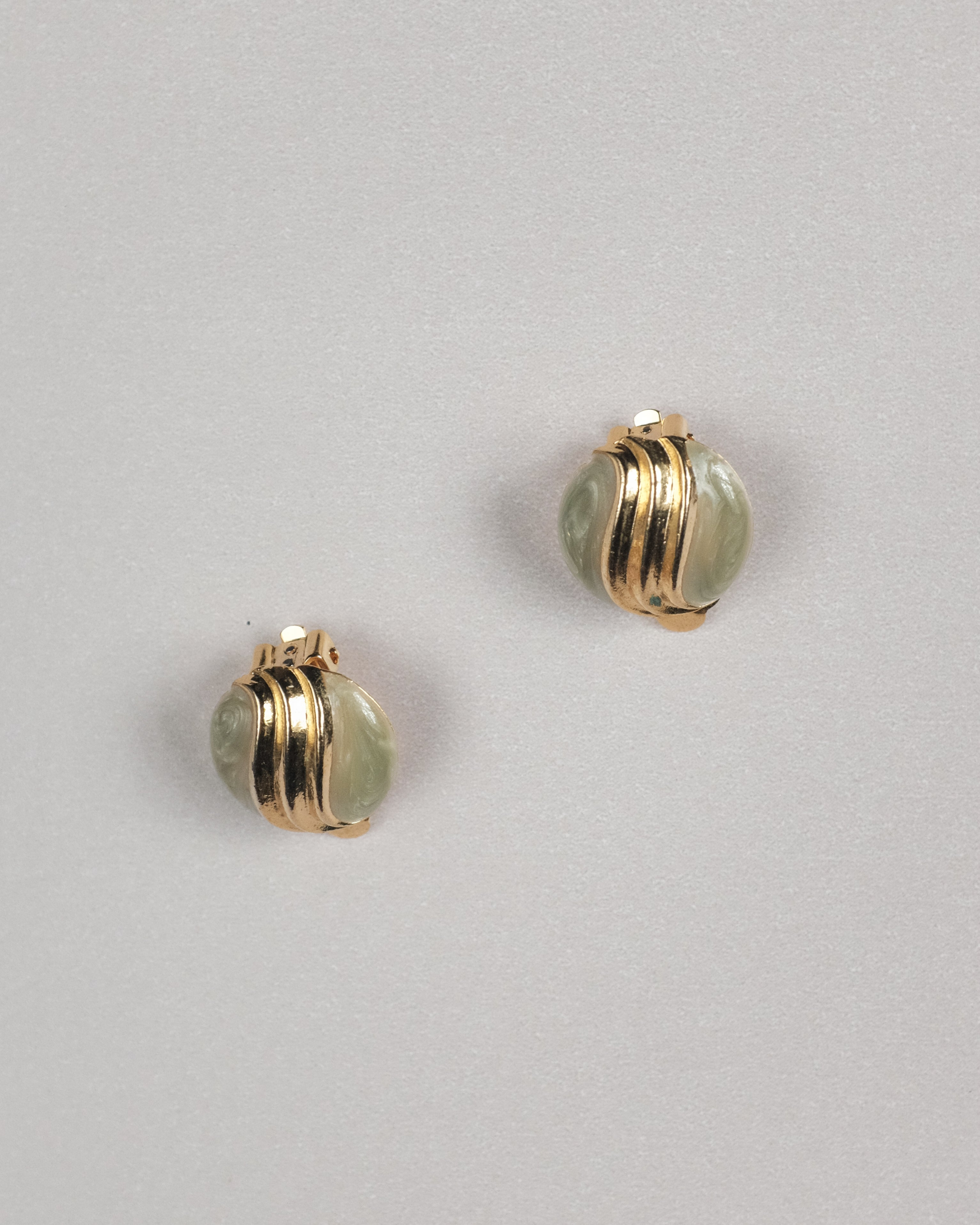 VINTAGE ROUND MINT AND GOLD CLIP-ON EARRINGS