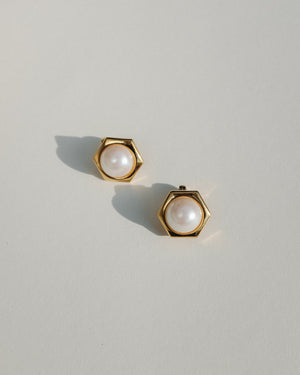 VINTAGE MONET GOLD WITH FAUX PEARL CLIP-ON EARRINGS