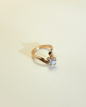 VINTAGE 14K YELLOW GOLD PLATED CURVED RING WITH CUBIC ZIRCONIA [SIZE 4.5]