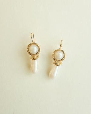 VINTAGE DROP FAUX PEARL WIRE HOOK EARRINGS
