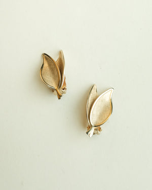 VINTAGE GOLD DOUBLE LEAF CLIP-ON EARRINGS
