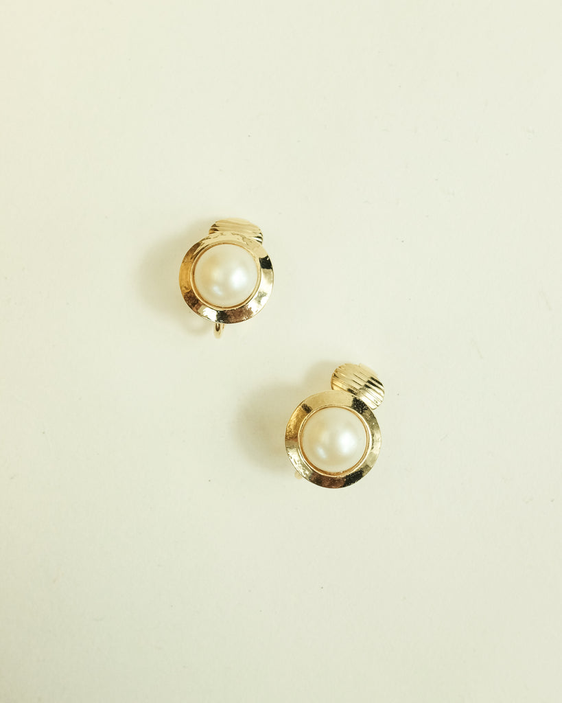 VINTAGE 1980s MINI ROUND FAUX PEARL CLIP-ON EARRINGS