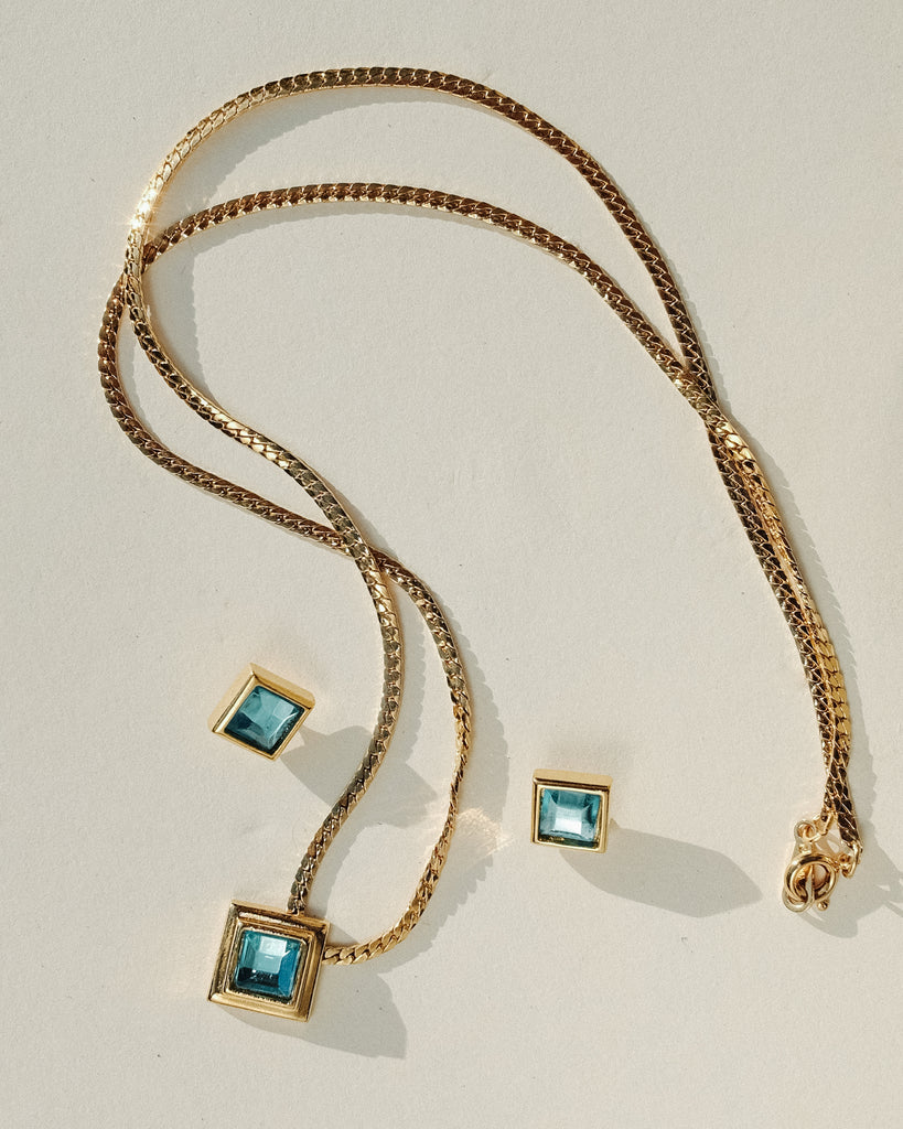 VINTAGE 1970s AVON BLUE STONE NECKLACE AND EARRINGS SET
