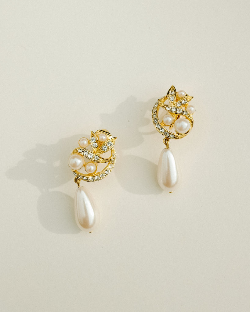 VINTAGE 1980's RICHELIEU FAUX PEARL DROP EARRINGS