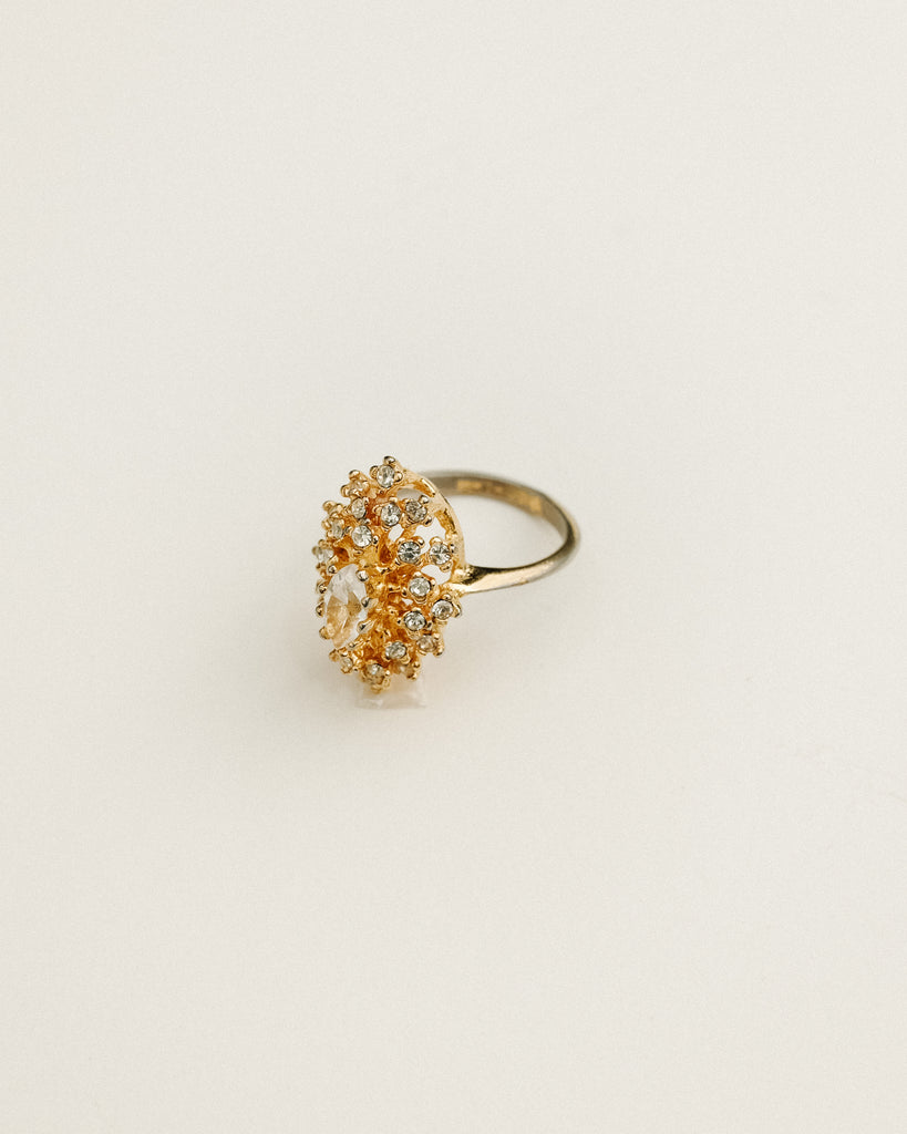 VINTAGE 18KT HGE GOLD RING WITH CUBIC ZIRCONIA [SIZE 6.75]