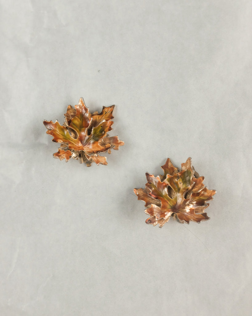 VINTAGE WEISS AUTUMN LEAF CLIP-ON EARRINGS