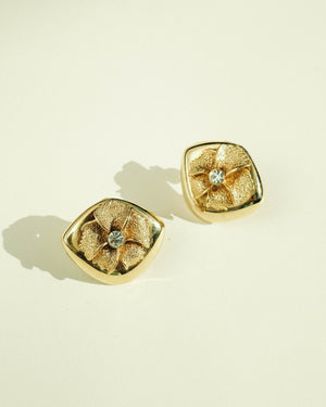 VINTAGE GOLD FLORAL CLIP-ON EARRINGS