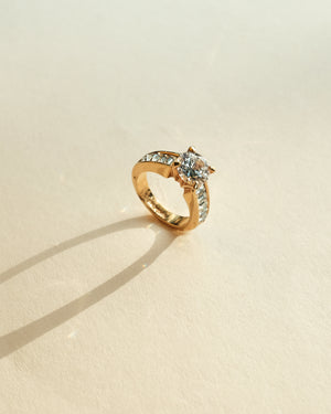 VINTAGE 18K YELLOW GOLD PLATED RING WITH CUBIC ZIRCONIA [SIZE 4.75]