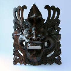 Chinese dragon face carving