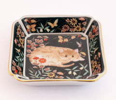 japanese porcelain dish painted cat amongst flowers 310