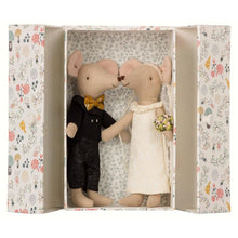 Load image into Gallery viewer, Maileg Wedding Mice Couple in Box - Gazebogifts