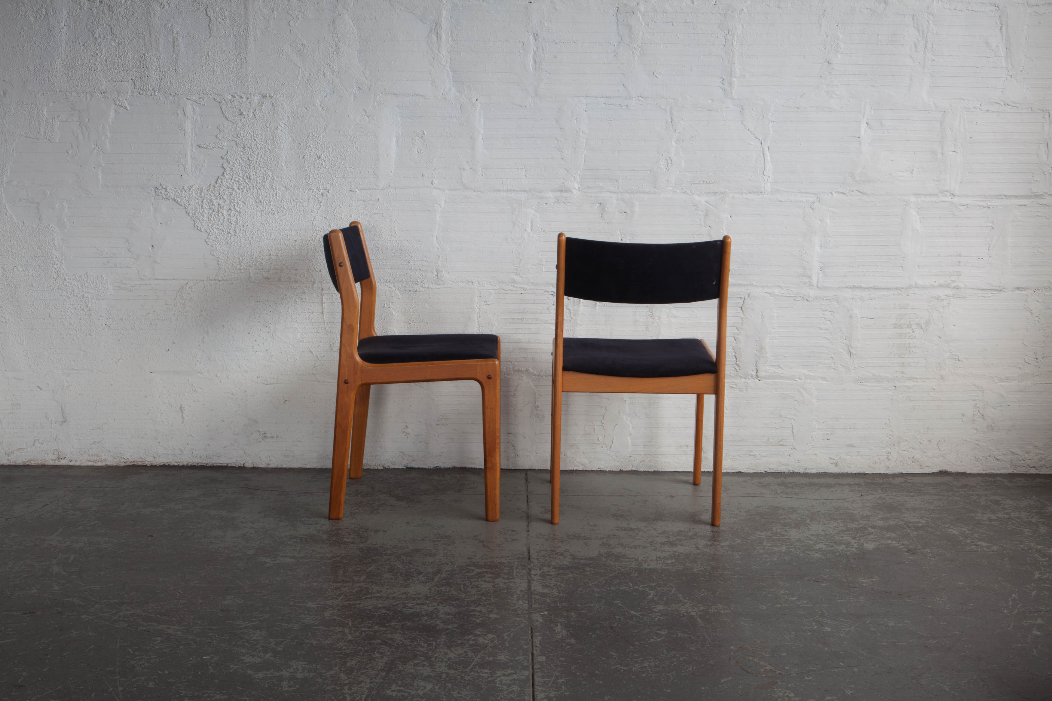 D Scan Dining Chairs Set Of Eight
