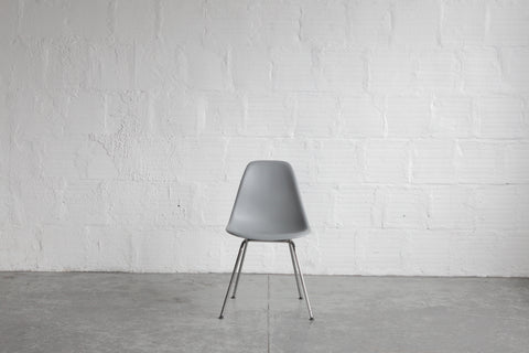 Herman Miller Plastic Eames Shell Chair
