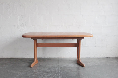 Teak Dyrlund Table