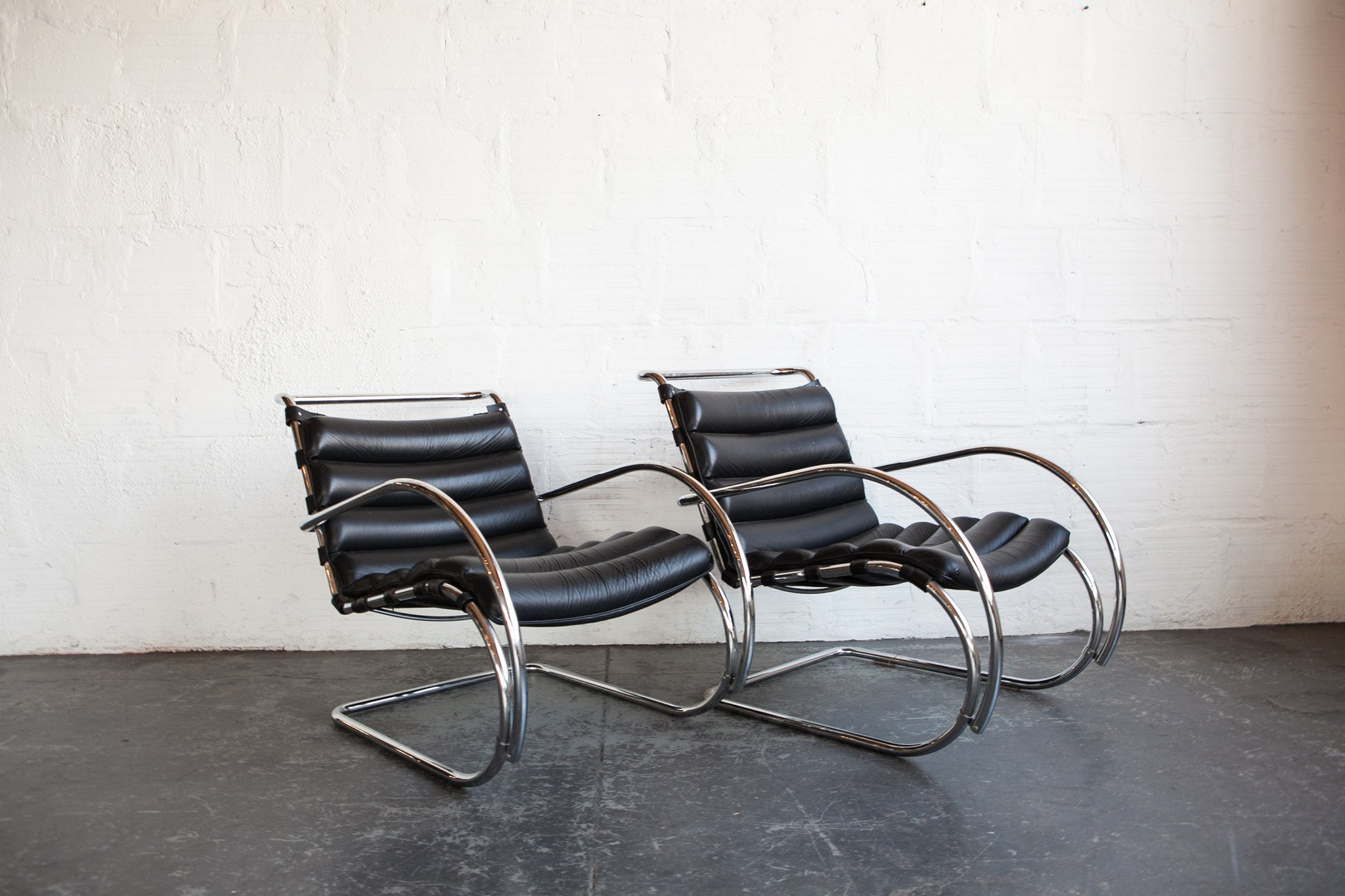 Groovy Mies Van Der Rohe Mr40 Lounge Chairs The Good Mod Squirreltailoven Fun Painted Chair Ideas Images Squirreltailovenorg