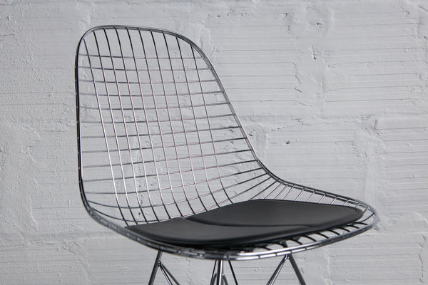 ... Modernica Chrome Wire Side Chair Seat Detail ...