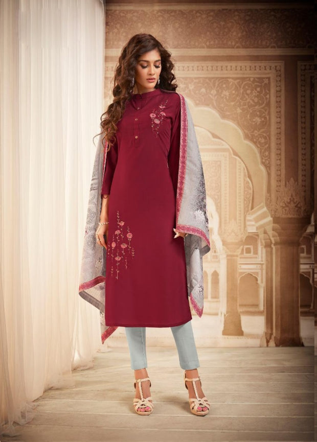 Maroon Kurti with design dupatta and bottom