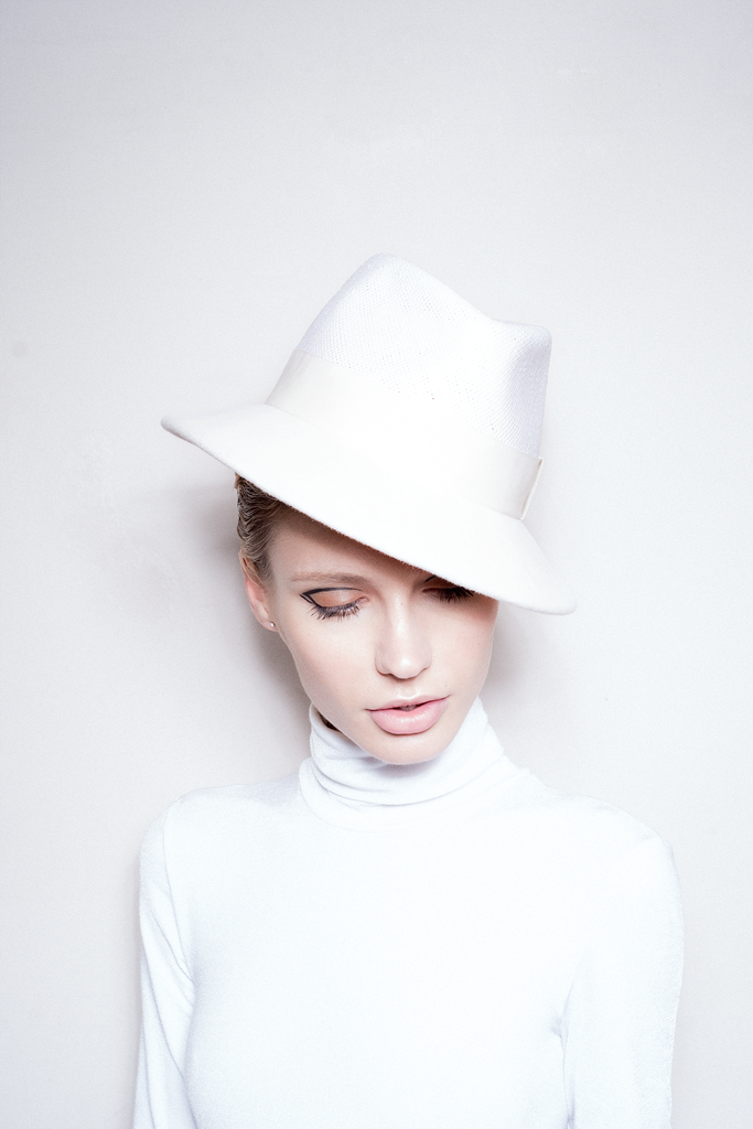 White Collection Hat 03