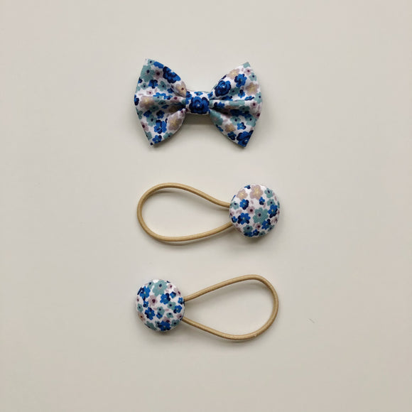 Blue floral bow clip and button bobble set