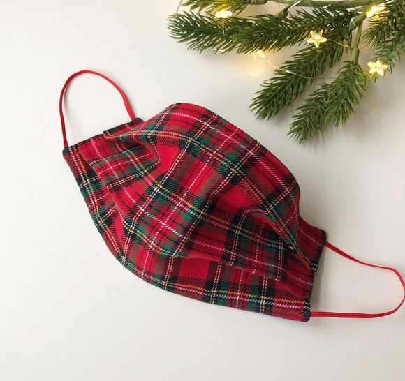 Red tartan pleated face mask