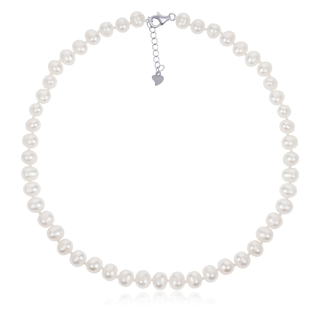 Hera's Classic Pearl Necklace