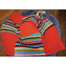 Load image into Gallery viewer, zigzag and red double thick fleece extra warm pet blankets and throws