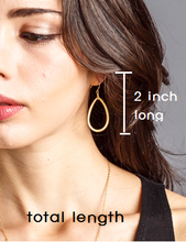 Load image into Gallery viewer, Teardrop gold earring