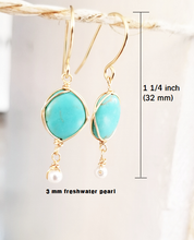Load image into Gallery viewer, Turquoise dangle gold earring