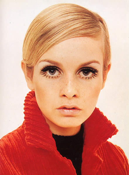 Twiggy in minimal hippie makeup