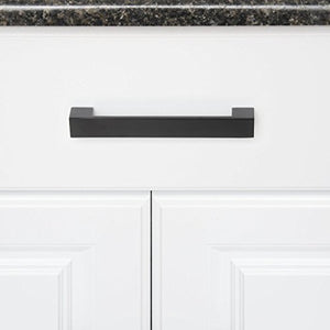 AmazonBasics Short Modern Cabinet Pull Handle, 7.68-inch Length (6.3-inch Hole Center), Flat Black, 10-Pack - Nerds Guide to FI