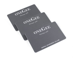Mirrorcards (3pcs.) Snuff Accessoires Our Mirror Cards are noble printed with our logo on the front and a mirror on the back thickness 0.85 Size of a credit card Mirror on the back 3pcs. included in the set