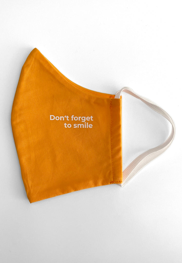 "[""Maske Don't Forget To Smile Orange""]"
