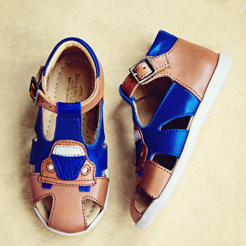 Zecchino Boys Tan and Blue Sandal with Car