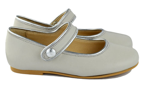 Manuela de Juan Girls Light Grey Mary Jane with Silver Piping