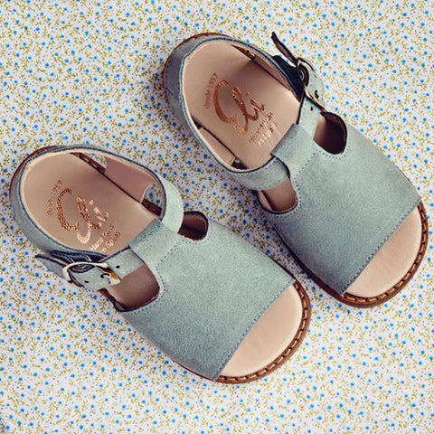 Eli1957 Girls Light Grey Suede Sandal