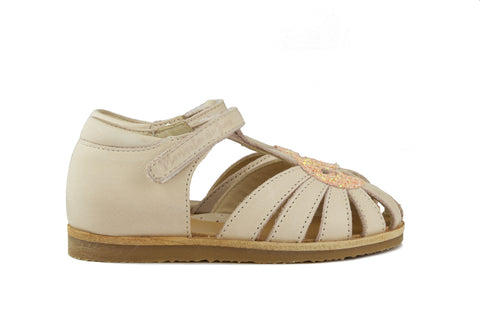 Manuela de Juan Girls Light Pink Sandal with Sparkly Star