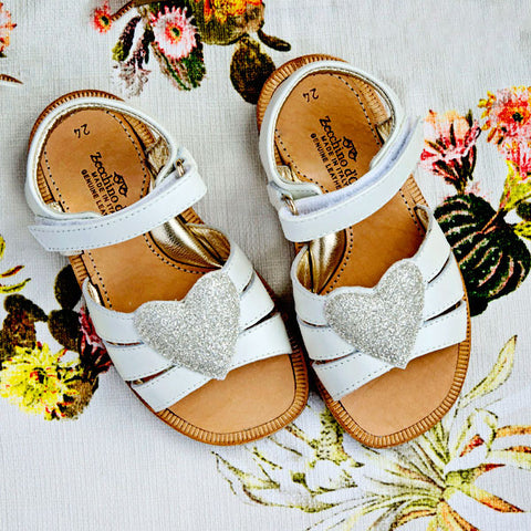 Zecchino Girls White Sandal with Silver Heart